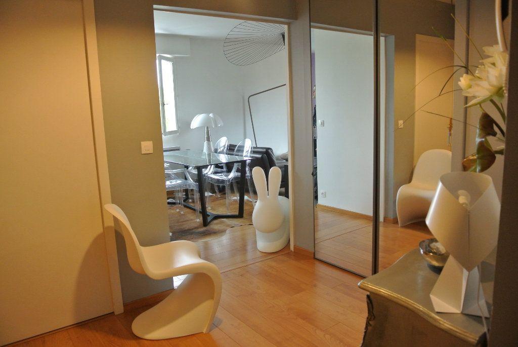 Appartement à louer 3 70m2 à Senlis vignette-3