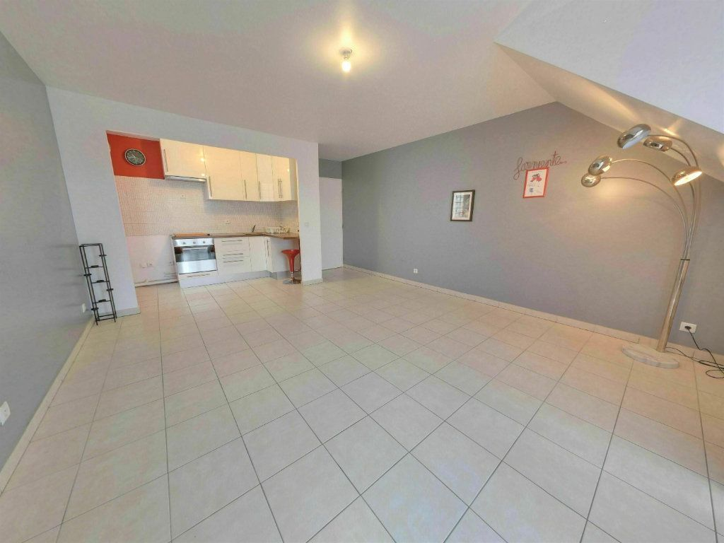 Appartement à vendre 3 59.82m2 à Longperrier vignette-1