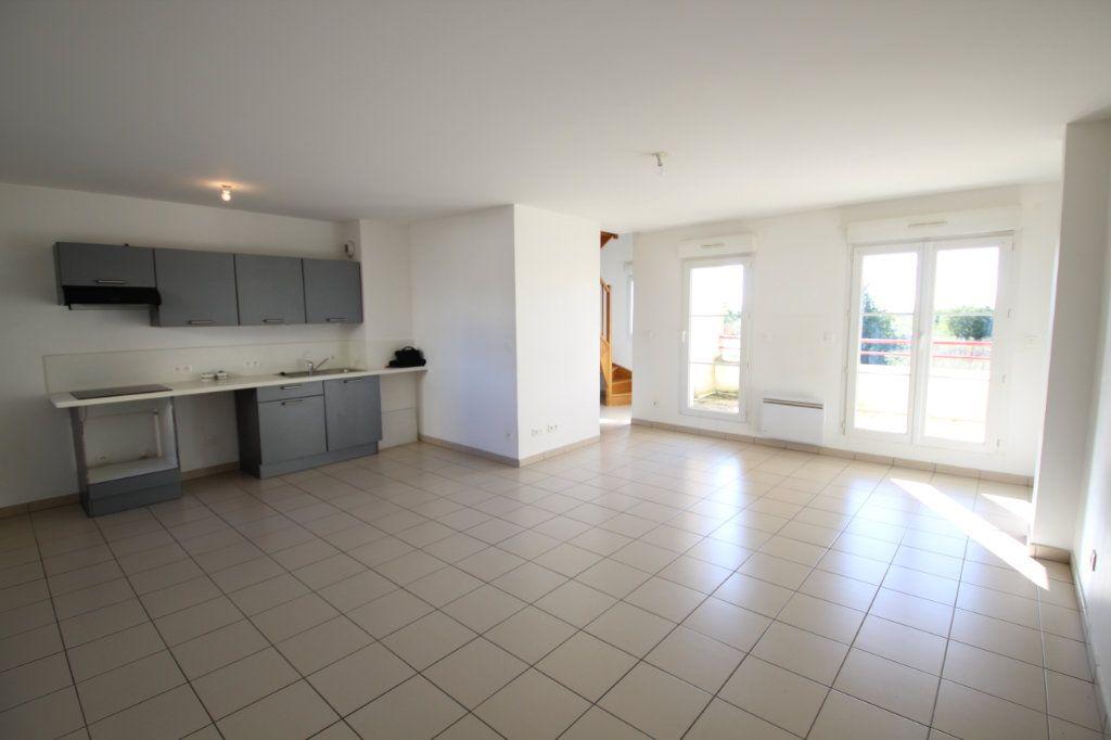 Appartement à vendre 3 66m2 à Silly-le-Long vignette-1