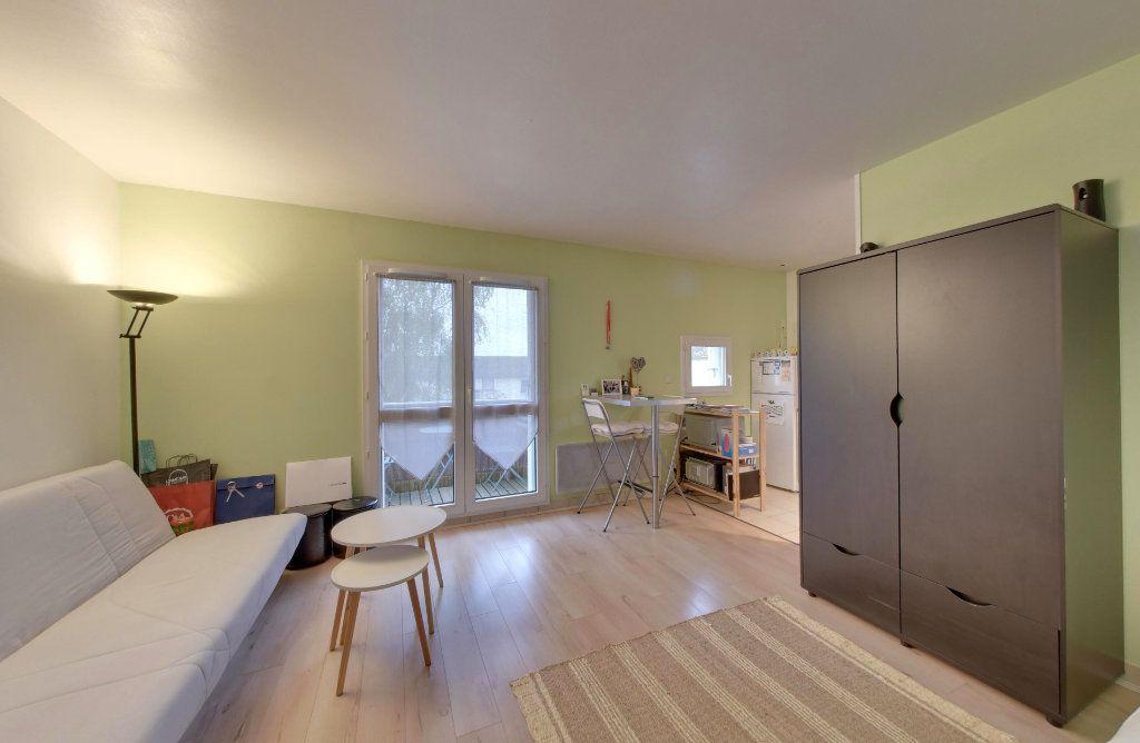 Appartement à vendre 1 30m2 à Thieux vignette-1