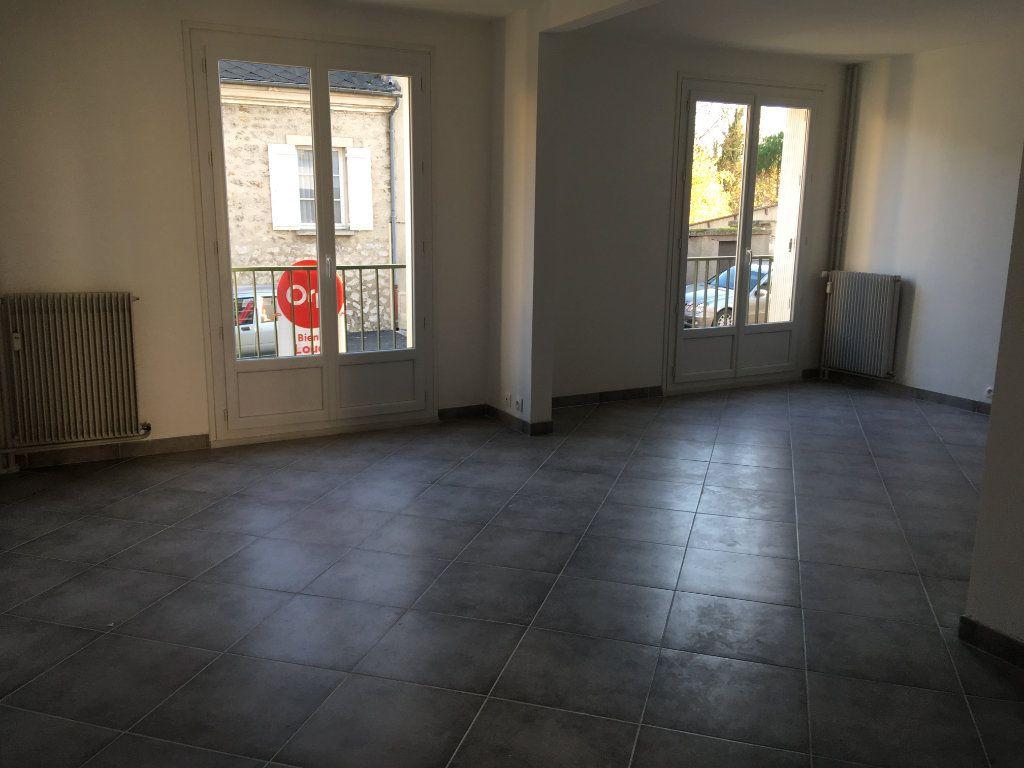 Appartement à louer 3 63m2 à Senlis vignette-2