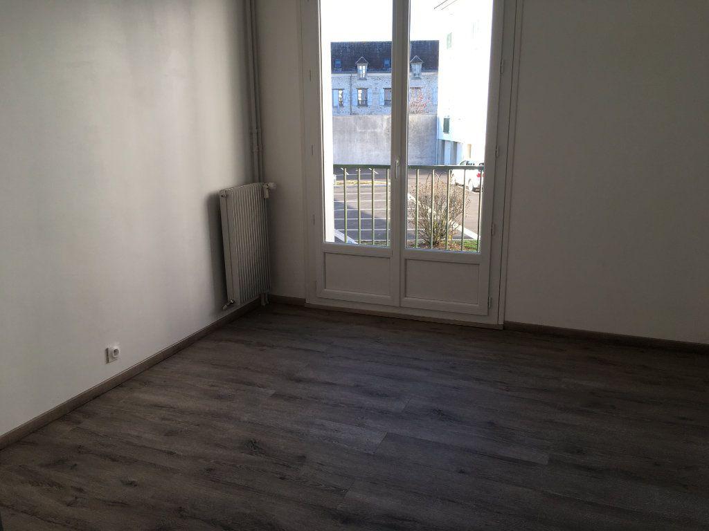 Appartement à louer 3 63m2 à Senlis vignette-7