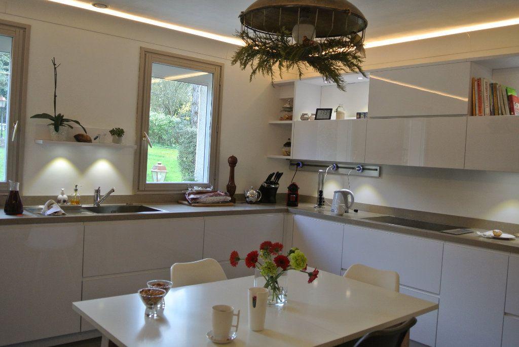 Maison à louer 6 169m2 à Senlis vignette-5
