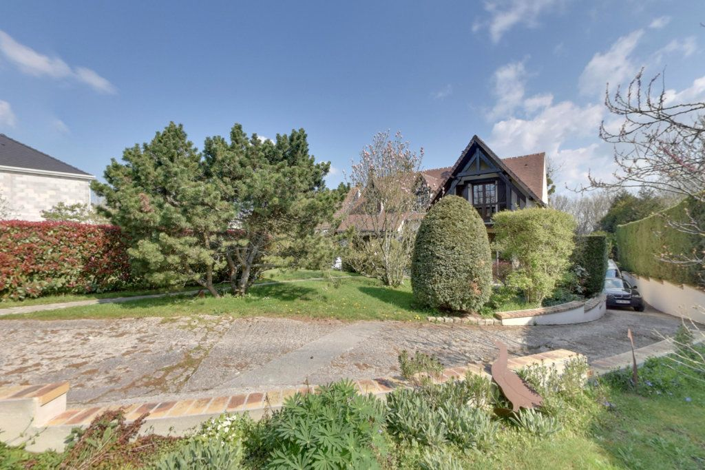 Maison à vendre 7 182m2 à Dammartin-en-Goële vignette-1