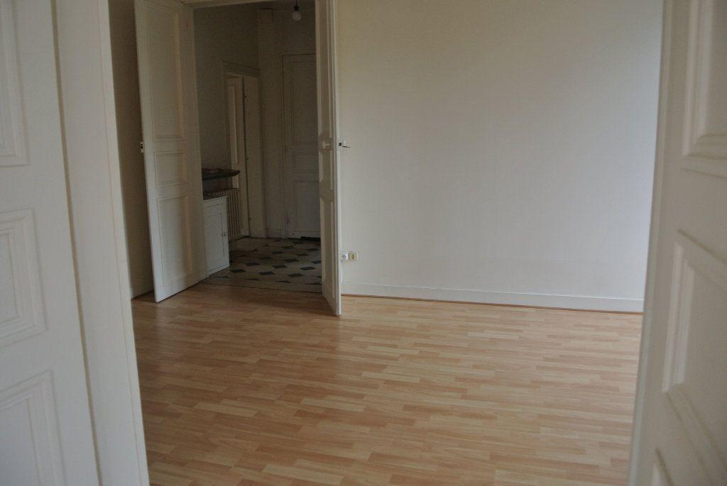 Appartement à louer 5 120m2 à Senlis vignette-4
