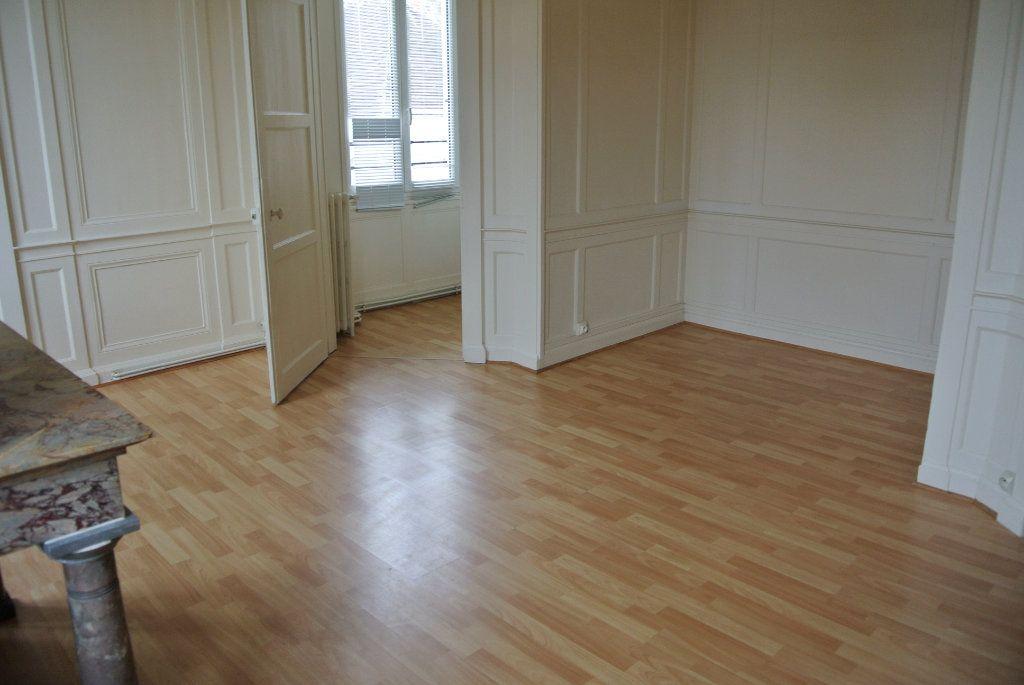 Appartement à louer 5 120m2 à Senlis vignette-5