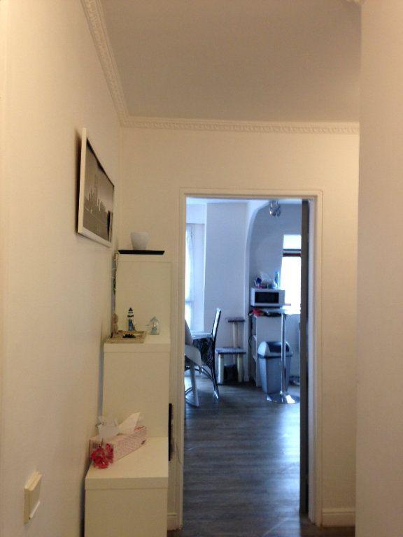 Appartement à louer 3 58.55m2 à Le Plessis-Belleville vignette-3