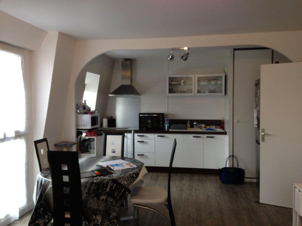 Appartement à louer 3 58.55m2 à Le Plessis-Belleville vignette-5