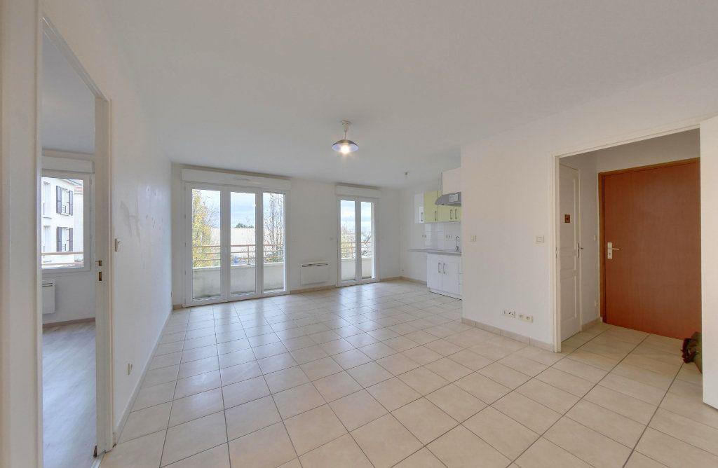 Appartement à vendre 2 45m2 à Le Plessis-Belleville vignette-1