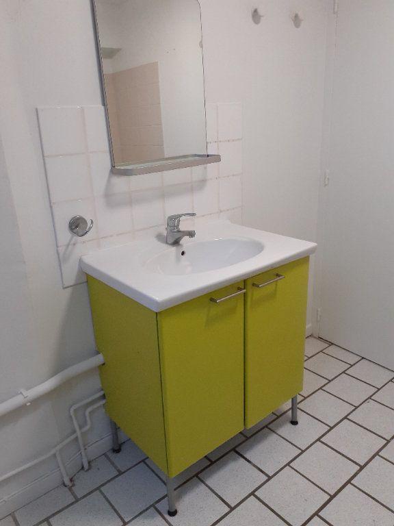 Appartement à louer 3 60.8m2 à Senlis vignette-4