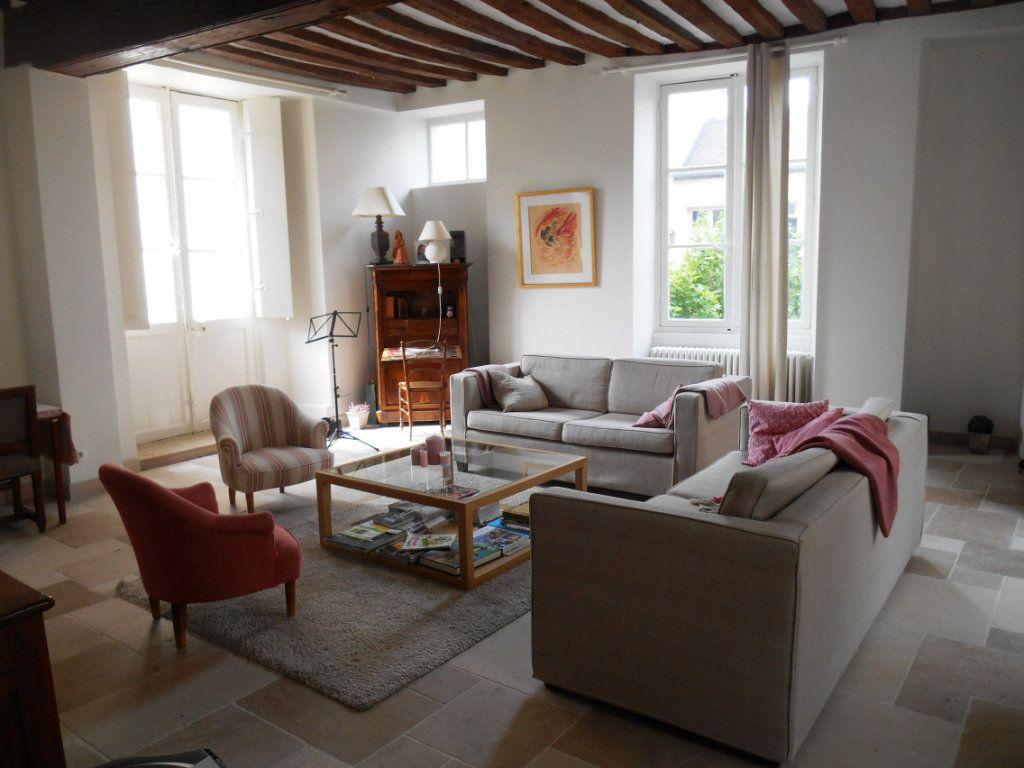 Maison à louer 6 206.71m2 à Senlis vignette-2