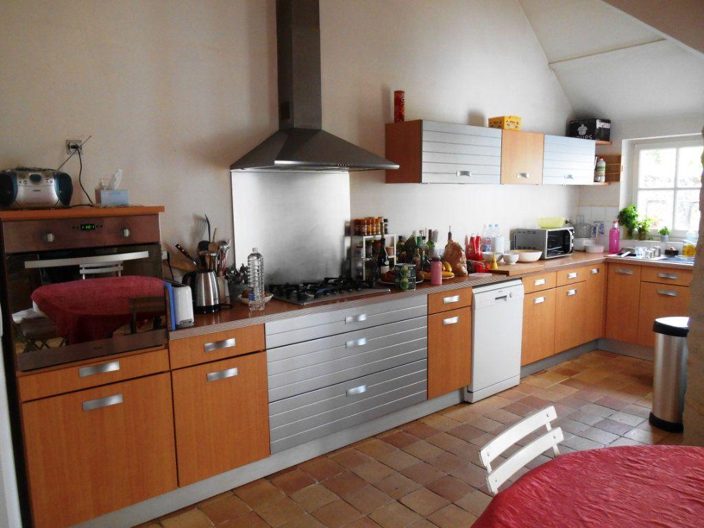 Maison à louer 6 206.71m2 à Senlis vignette-3