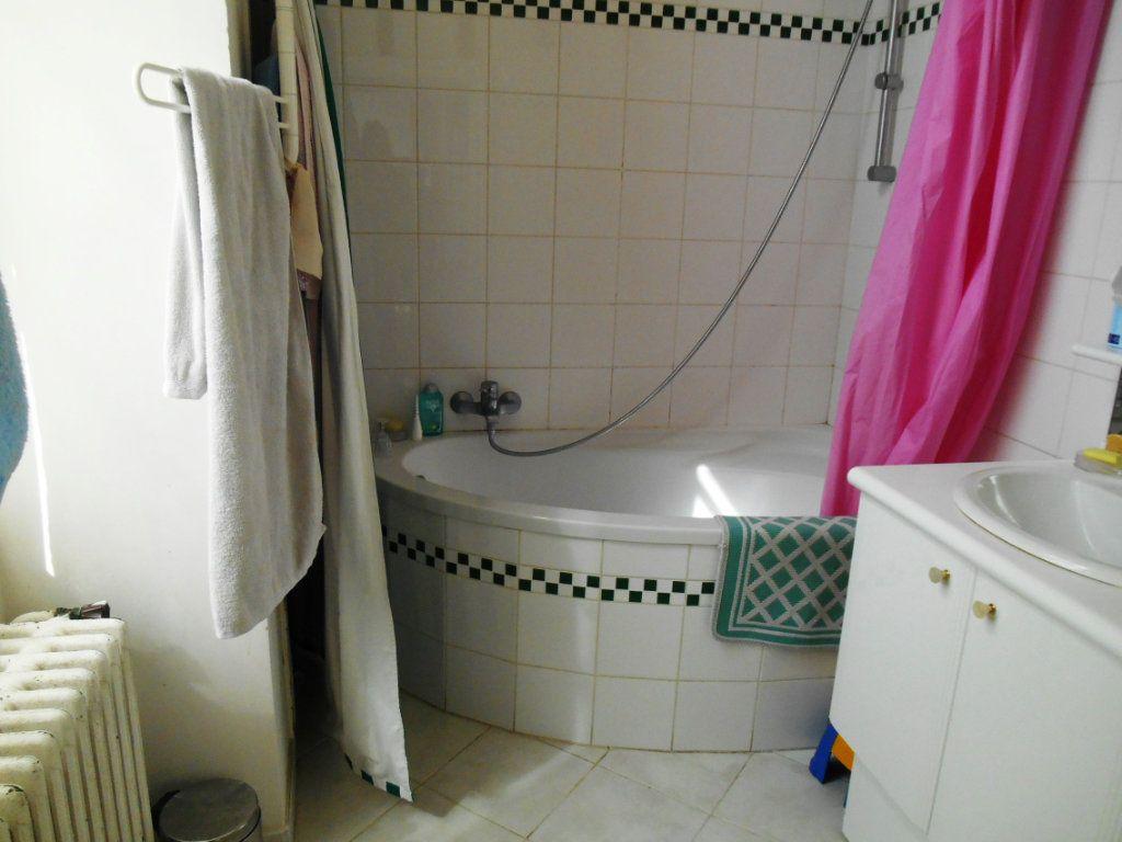 Maison à louer 6 206.71m2 à Senlis vignette-6