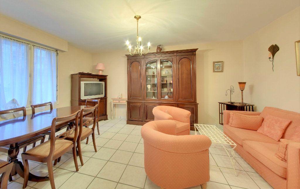 Appartement à vendre 3 65.73m2 à Senlis vignette-2