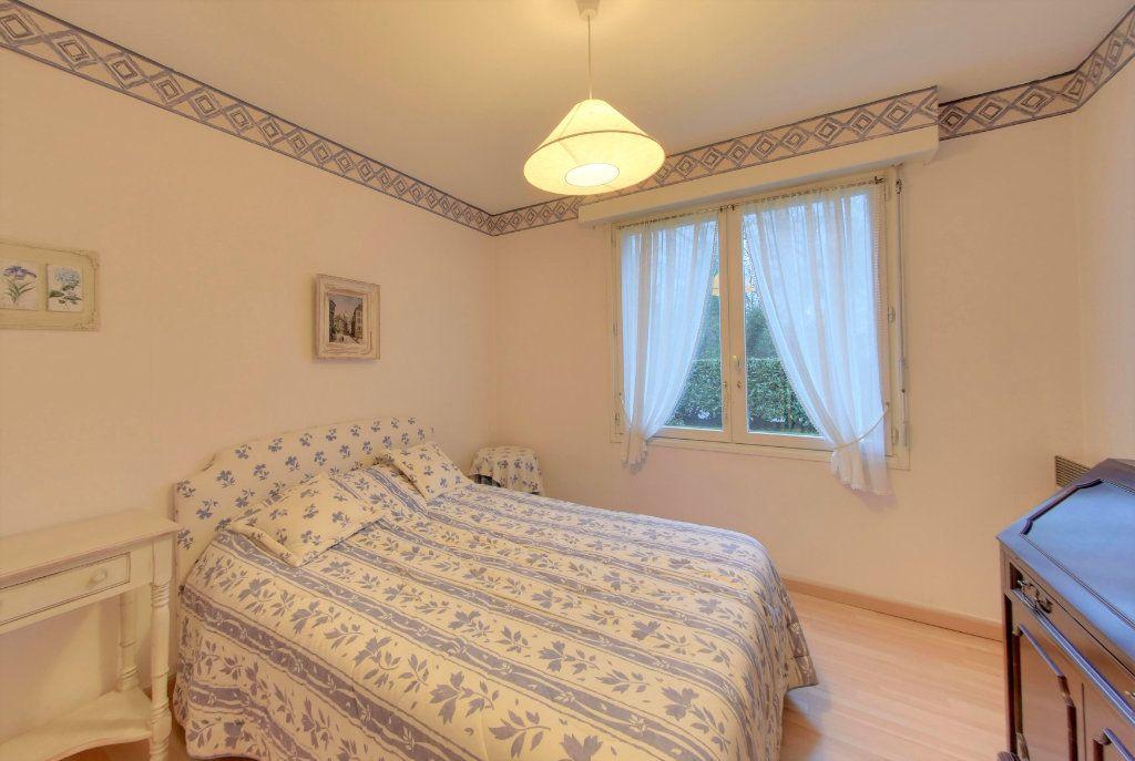 Appartement à vendre 3 65.73m2 à Senlis vignette-4