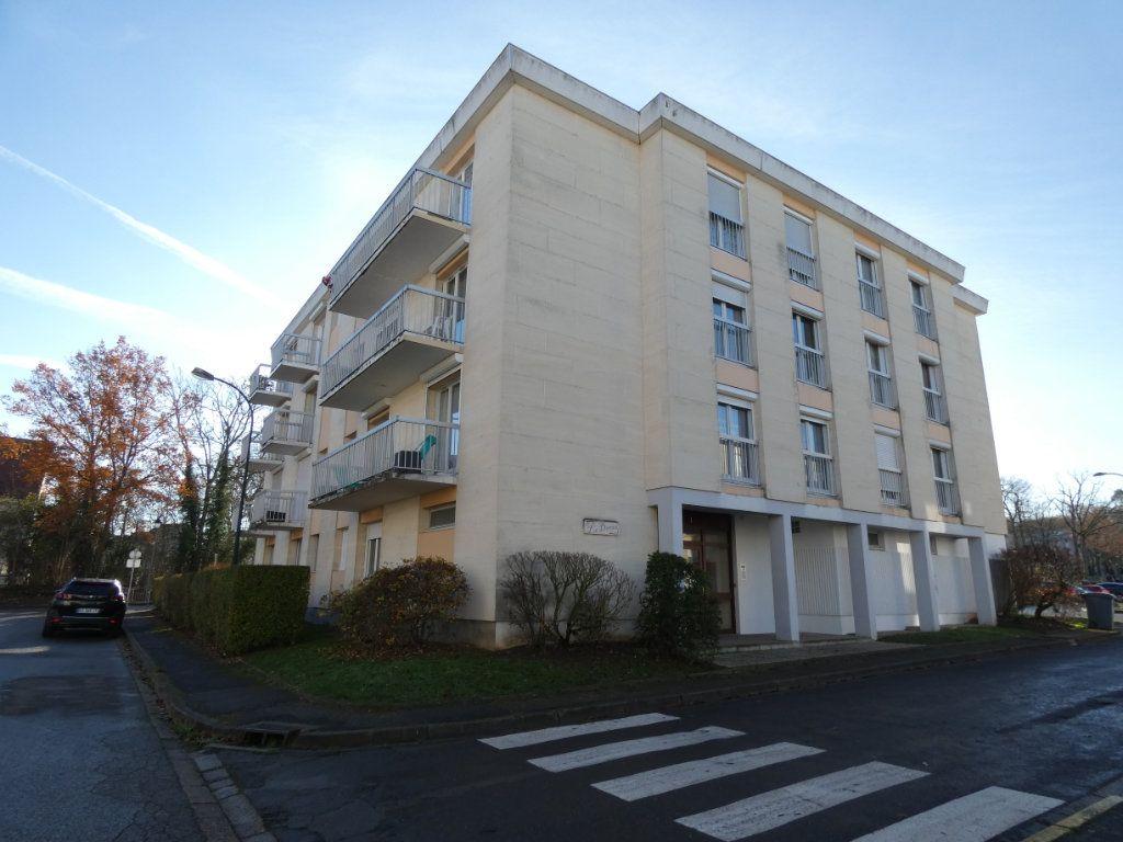 Appartement à vendre 3 65.73m2 à Senlis vignette-6