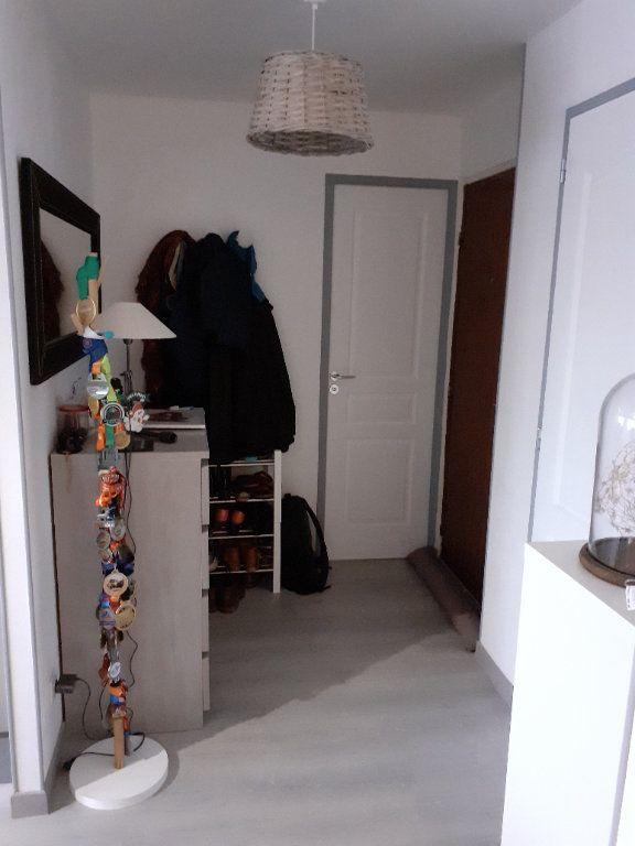 Appartement à louer 3 65.56m2 à Senlis vignette-6