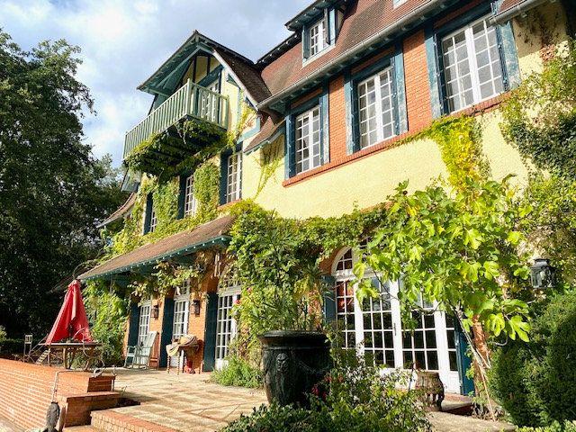 Maison à vendre 10 600m2 à Lamorlaye vignette-1