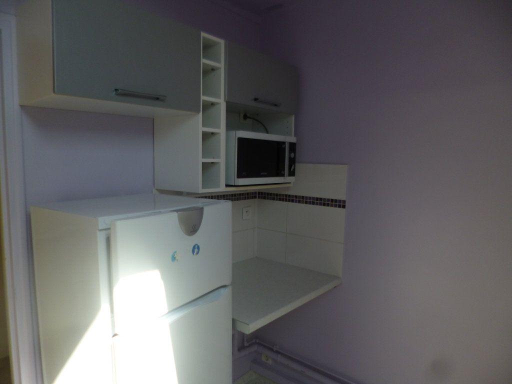 Appartement à louer 3 44.35m2 à Senlis vignette-4