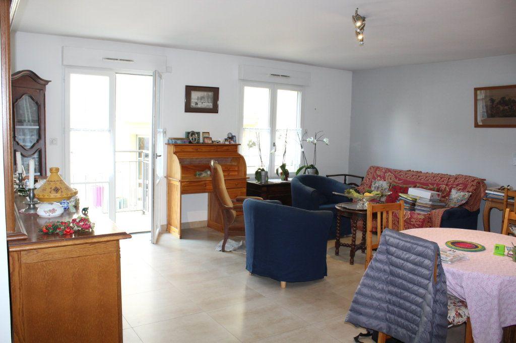 Appartement à vendre 3 89m2 à Senlis vignette-2