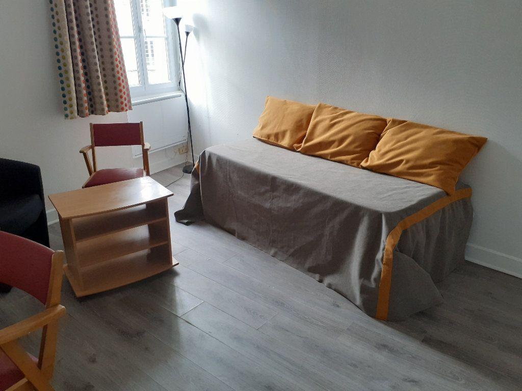 Appartement à louer 1 22.1m2 à Senlis vignette-1