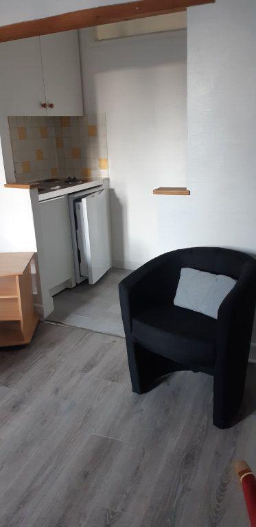Appartement à louer 1 22.1m2 à Senlis vignette-4