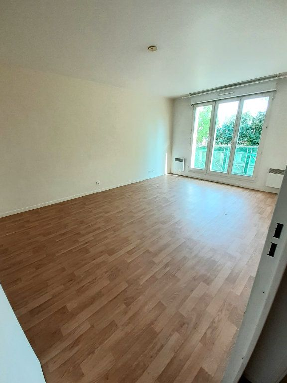 Appartement à louer 3 60m2 à Nanteuil-le-Haudouin vignette-1