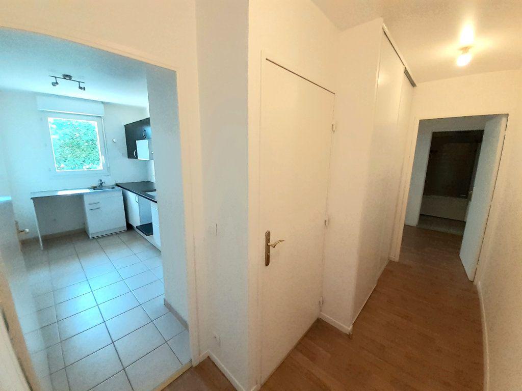 Appartement à louer 3 60m2 à Nanteuil-le-Haudouin vignette-10