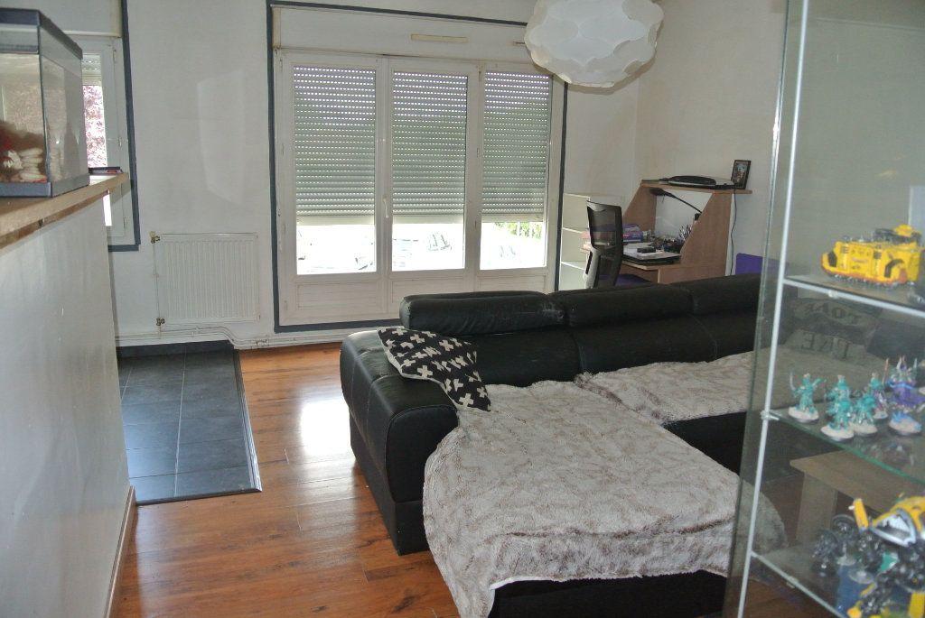 Appartement à louer 3 64.5m2 à Senlis vignette-4