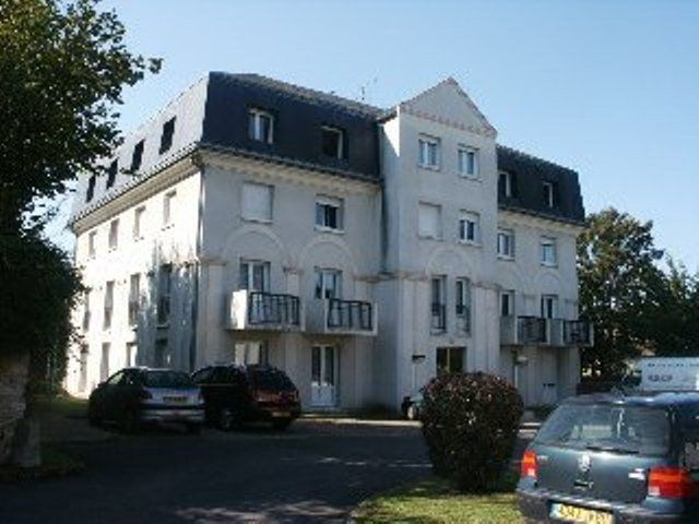 Appartement à louer 2 49.78m2 à Senlis vignette-1
