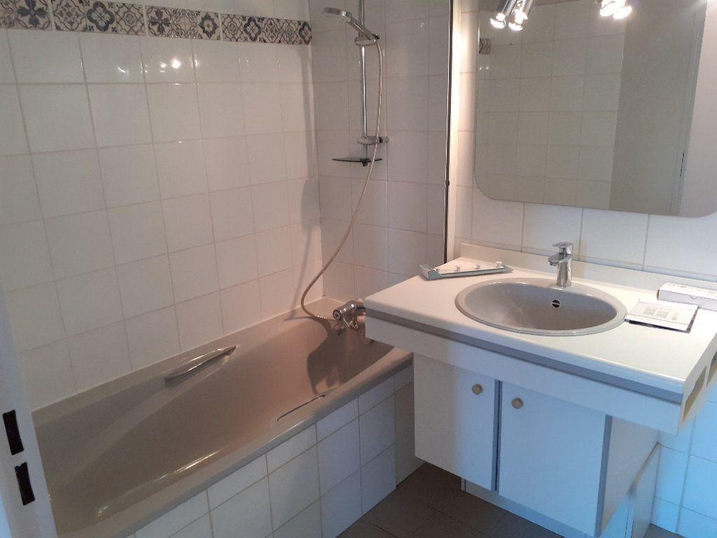 Appartement à louer 2 49.78m2 à Senlis vignette-4