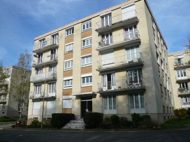 Appartement à louer 3 74m2 à Senlis vignette-1