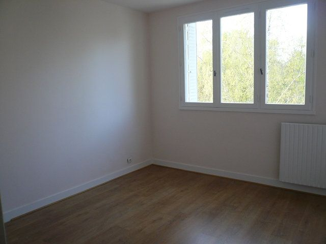 Appartement à louer 3 74m2 à Senlis vignette-4