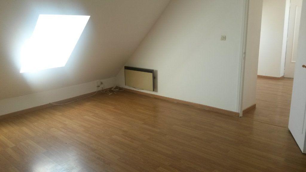 Appartement à louer 2 23.76m2 à Le Plessis-Belleville vignette-3