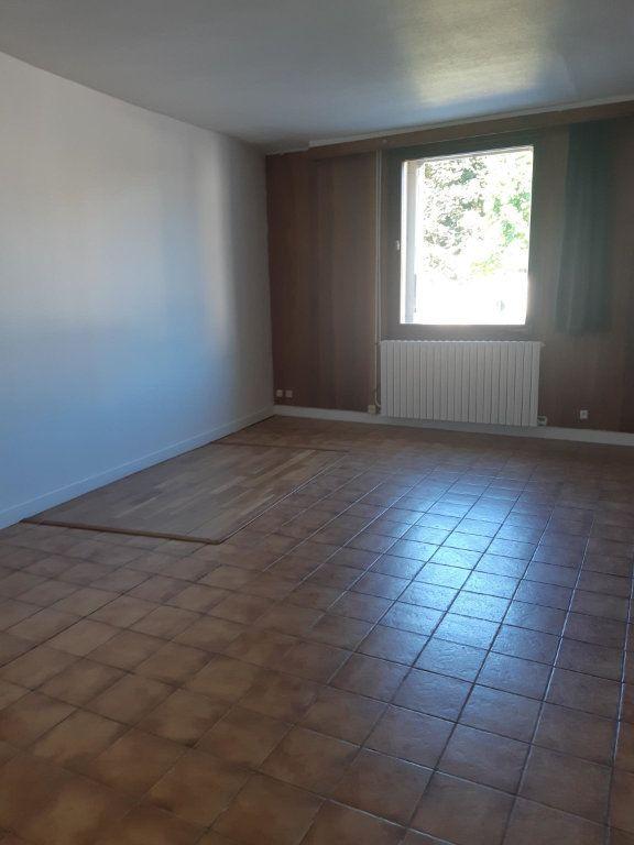 Appartement à louer 1 31.86m2 à Rouvres vignette-1