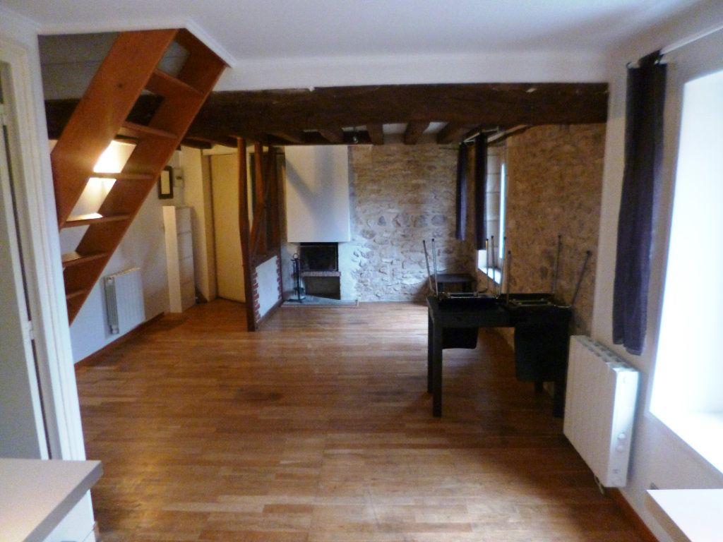 Appartement à louer 3 39.53m2 à Senlis vignette-1