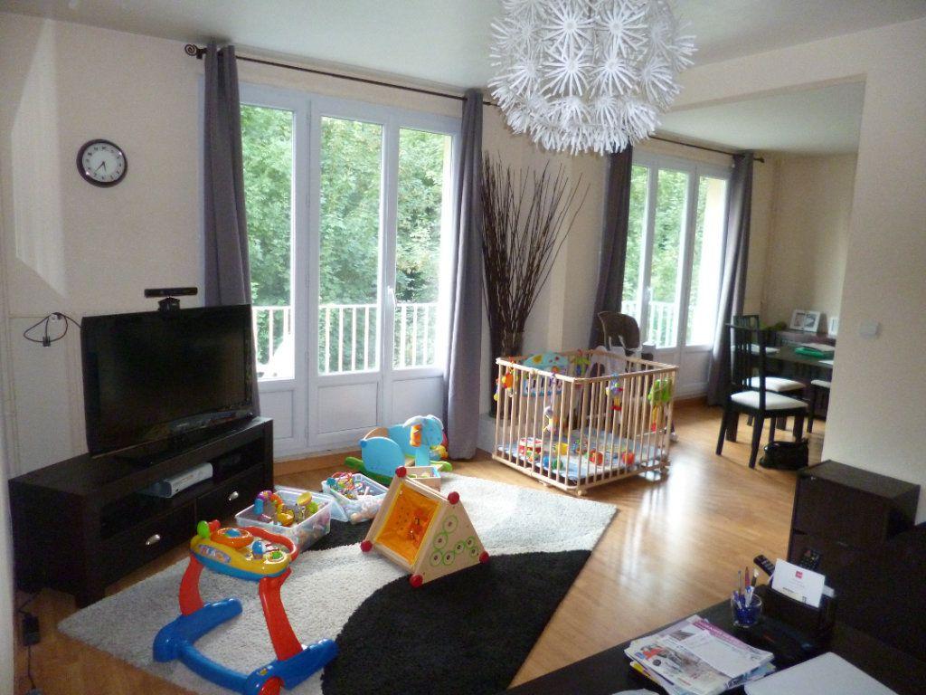 Appartement à louer 4 72.19m2 à Senlis vignette-1