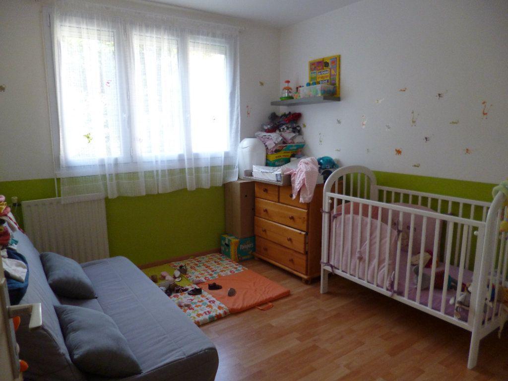 Appartement à louer 4 72.19m2 à Senlis vignette-4