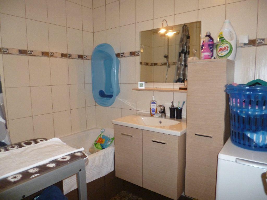Appartement à louer 4 72.19m2 à Senlis vignette-5