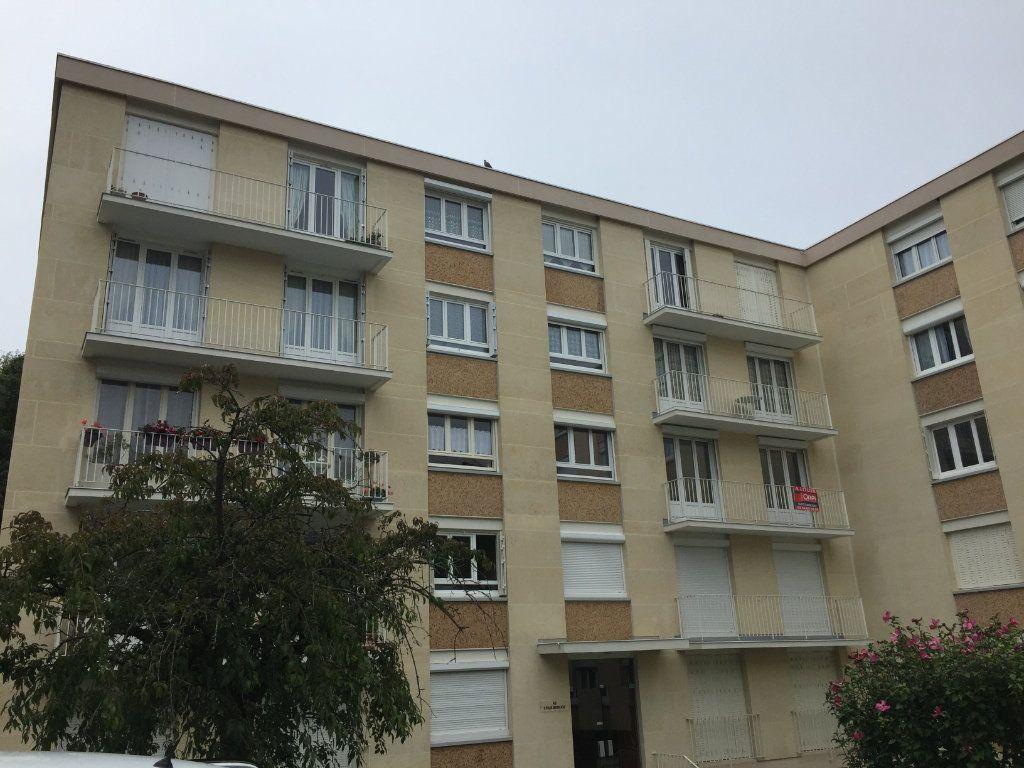 Appartement à louer 4 72.19m2 à Senlis vignette-6