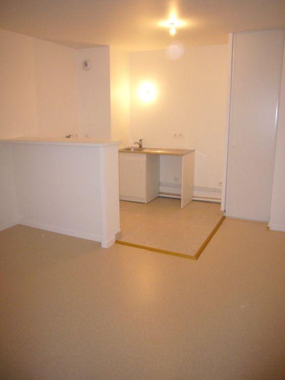 Appartement à louer 3 51m2 à Nanteuil-le-Haudouin vignette-2