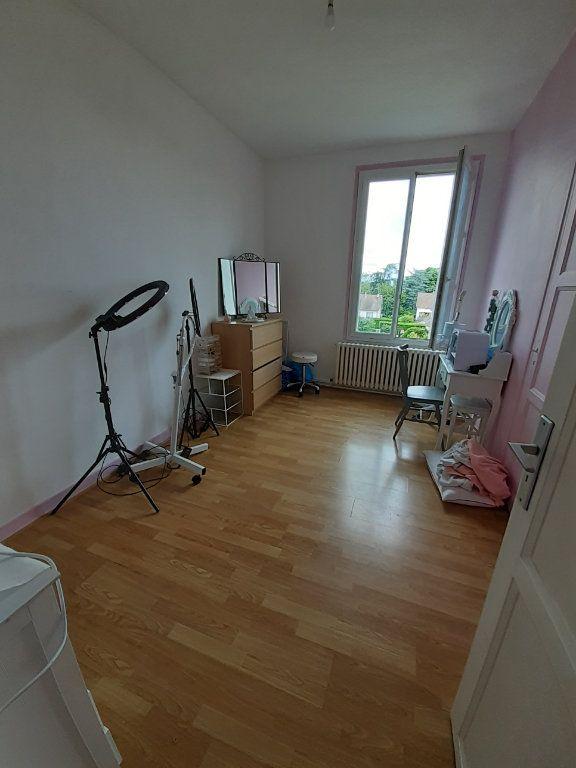 Appartement à louer 4 101.46m2 à Le Plessis-Belleville vignette-5