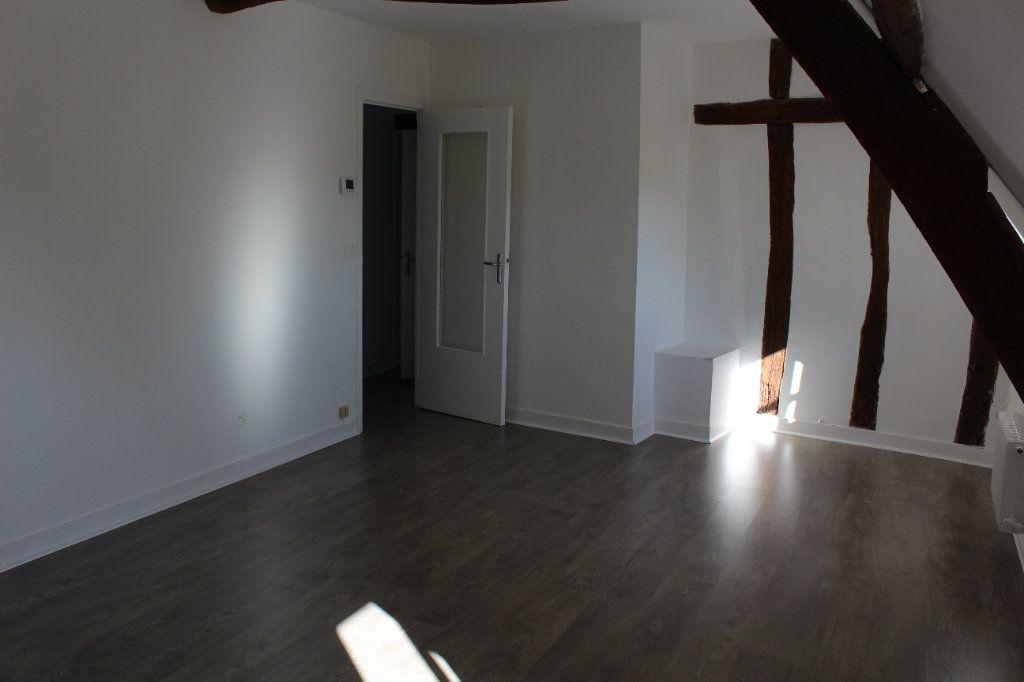 Appartement à louer 3 54.8m2 à Senlis vignette-3