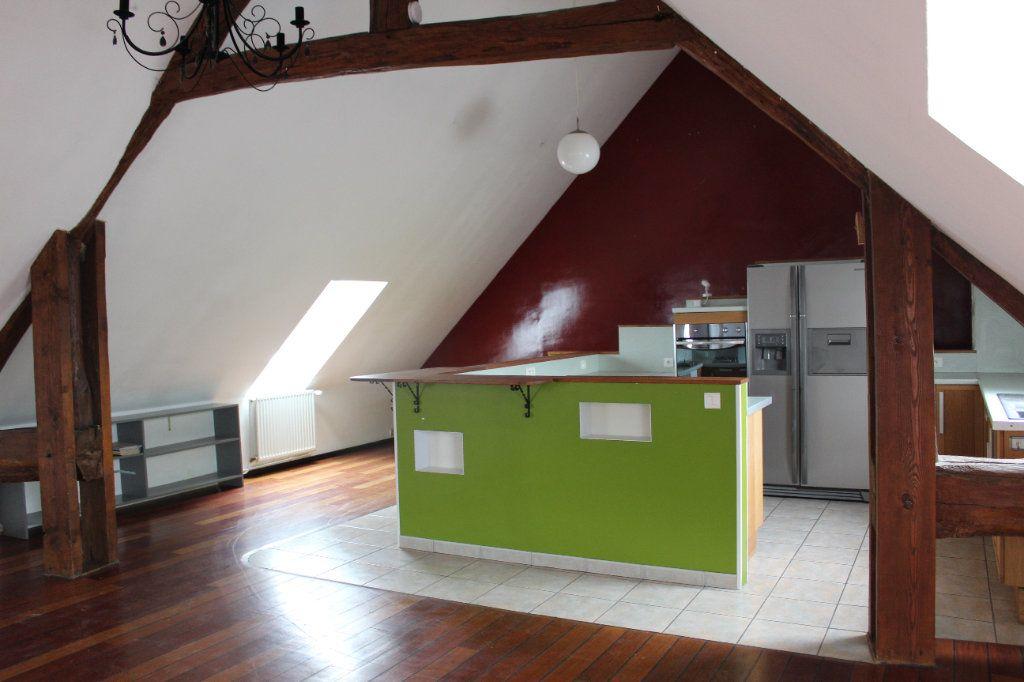Appartement à louer 4 119.78m2 à La Chapelle-en-Serval vignette-1