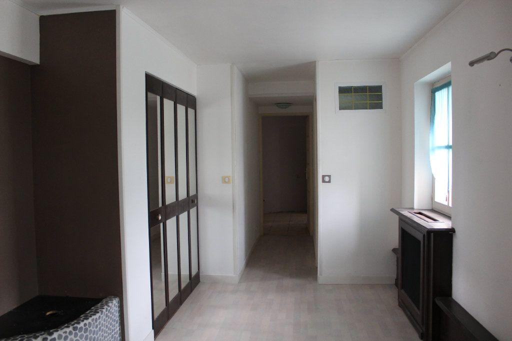 Appartement à louer 4 119.78m2 à La Chapelle-en-Serval vignette-6