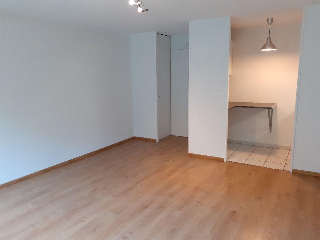 Appartement à louer 1 28.9m2 à Senlis vignette-1
