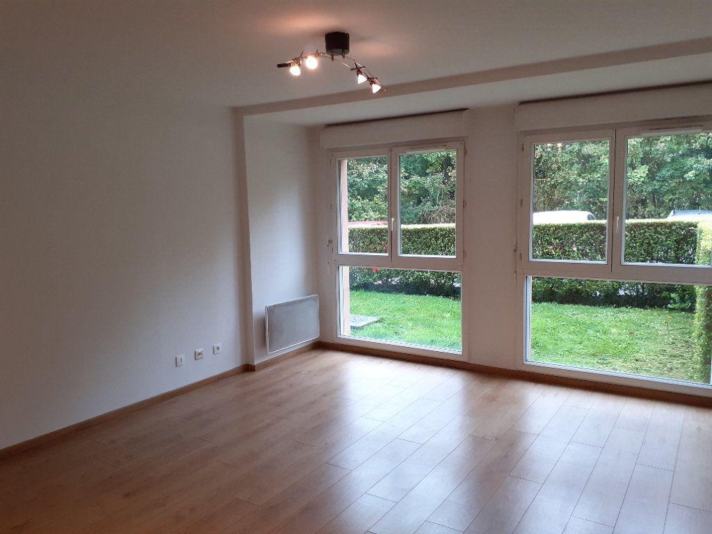 Appartement à louer 1 28.9m2 à Senlis vignette-2