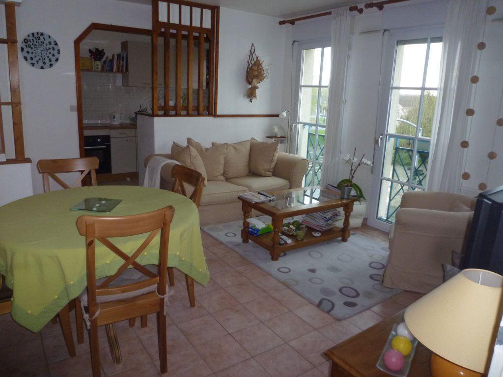 Appartement à louer 3 55.93m2 à Senlis vignette-2