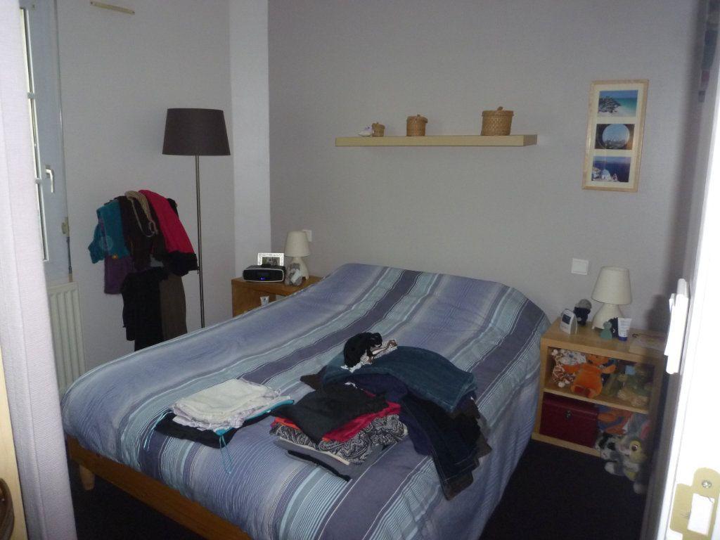 Appartement à louer 3 55.93m2 à Senlis vignette-4