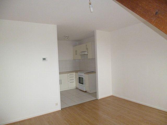 Appartement à louer 2 43.96m2 à Senlis vignette-2